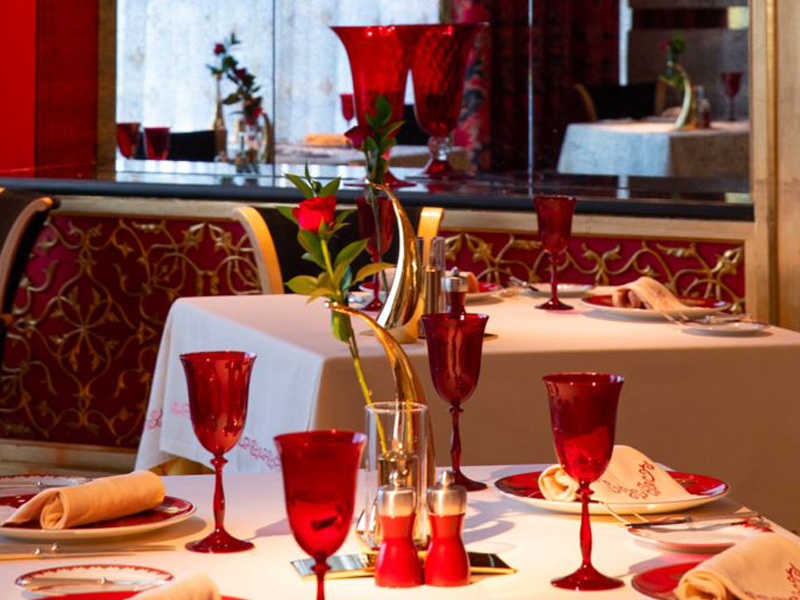 Burj Al Arab: Arabic Lunch or Dinner at Al Iwan